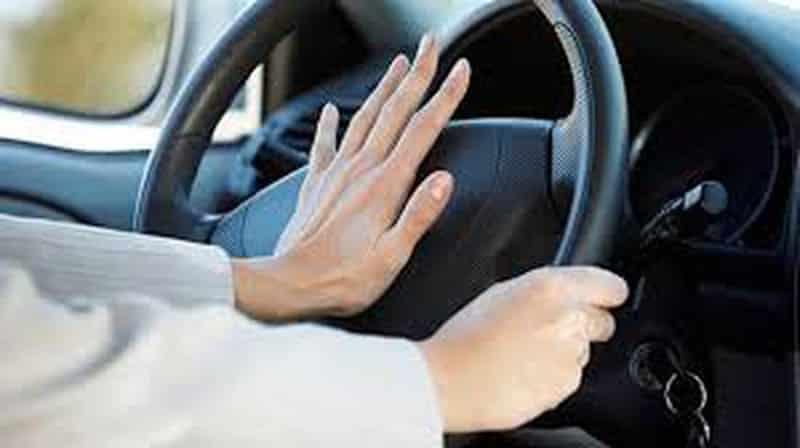 Mức phạt lỗi sử dụng còi xe